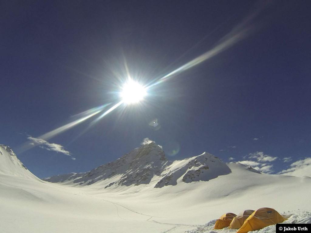 Camp 2 (6900m)vedShishapangma (8027m), Tibet. Foto: Jakob Urth.