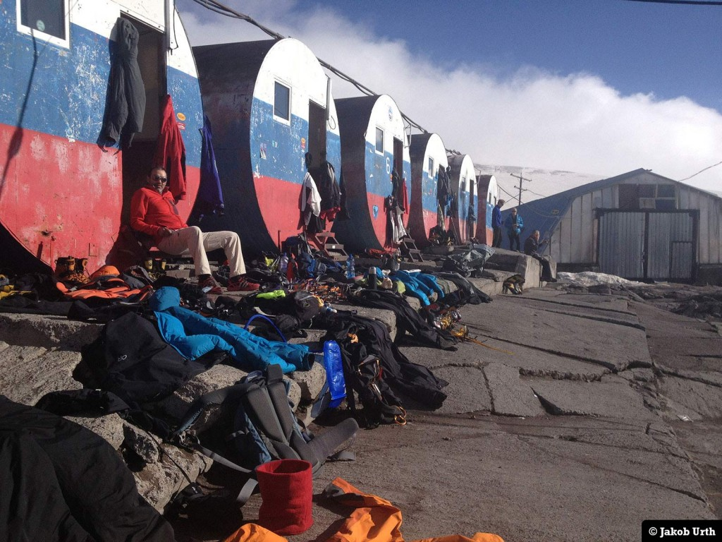 """The Barrels"" - Elbrus Base Camp (3800m). Foto. Jakob Urth."