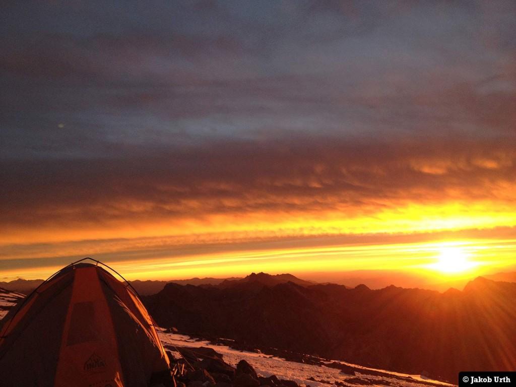 Udsigt fra lejr 1 (5350m). Foto: Jakob Urth.