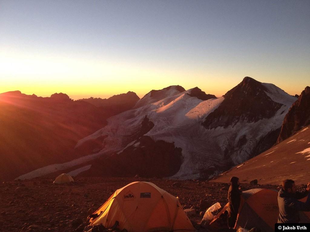 Aftenstemning i lejr 1 (5350m) (Foto: Jakob Urth.