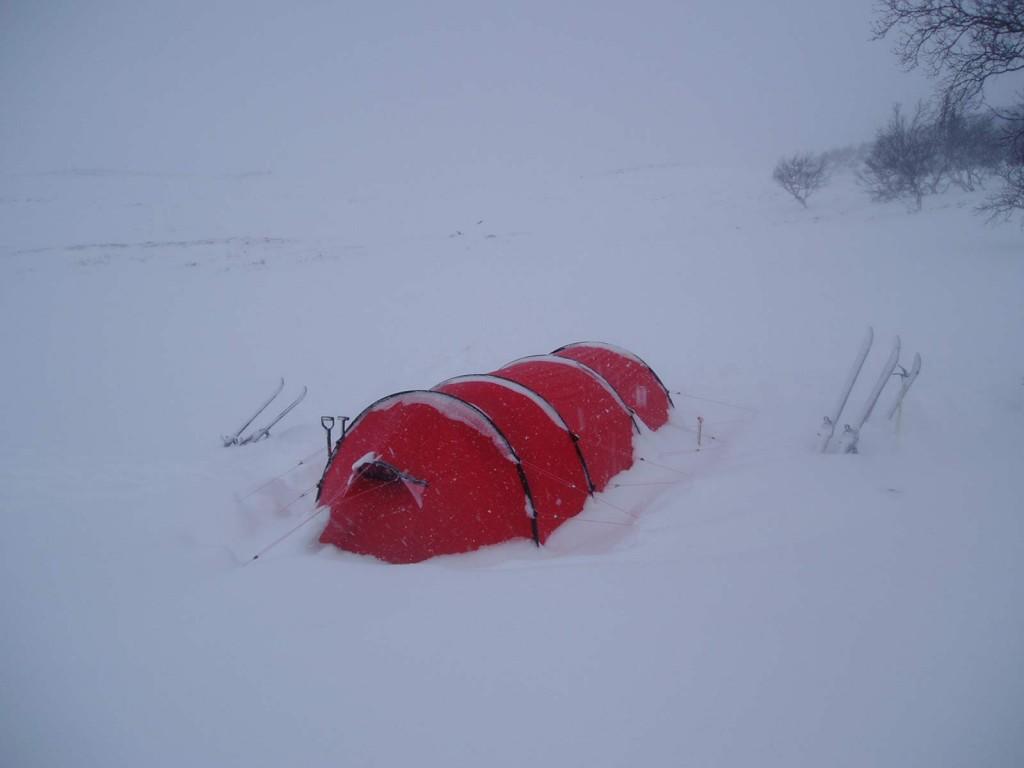 Hileberg Keron 3GT i hårdt vejr på vintertur.