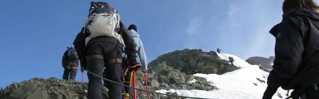 Alpinudstyret i brug på Stok Kangri bestigningen