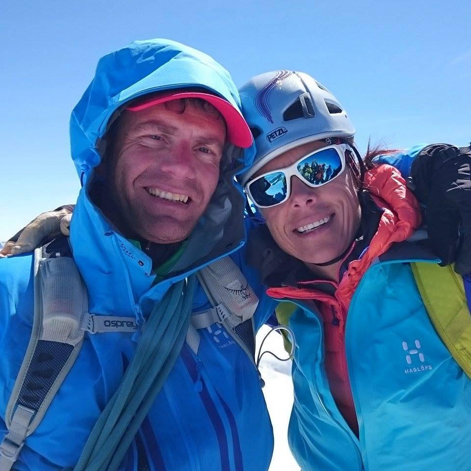 LArs og Edurne Pasaban på toppen af Balmhorn. Foto: Lars Mac.