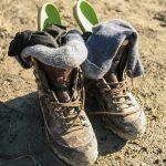 Et par kraftige læderstøvler med inder- og ydersokker og indlægssåler!