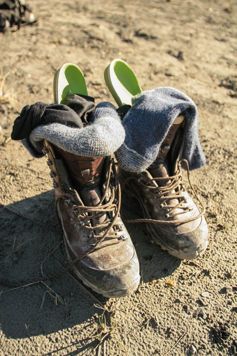 d6c9d775b26 Et par kraftige læderstøvler med inder- og ydersokker og indlægssåler!