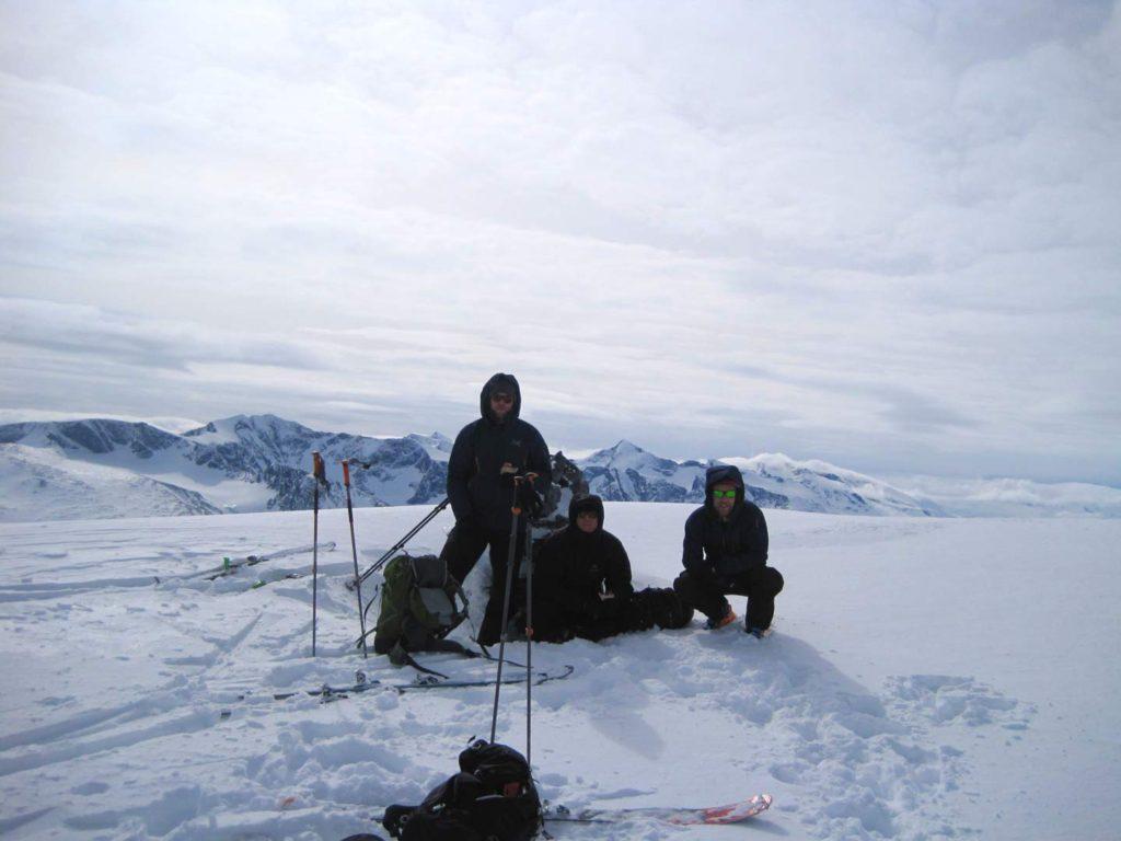 Frokost på toppen af Besshøe. Foto: Rasmus B. Munk.