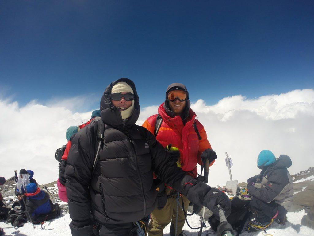 På toppen af Peak Communism, 7.495 m, i Tajikistan sidste sommer. Da vi nåede toppen blev vejret dårligt og vi måtte navigere ned i snevej med dårlig sigtbarhed. Bjerget blev klatret uden brug af fixreb og depoter over syv dage.