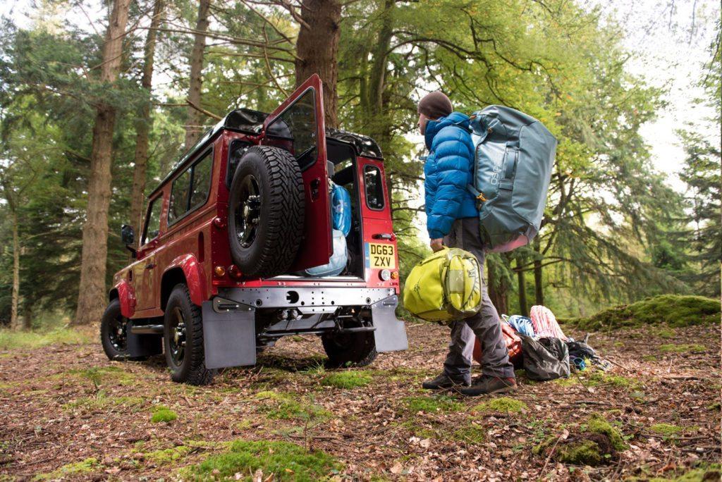 Duffelbags kan bruges til at pakke mere eller mindre alt, og er perfekte til længere rejser, ture og ekspeditioner . Foto: osprey.