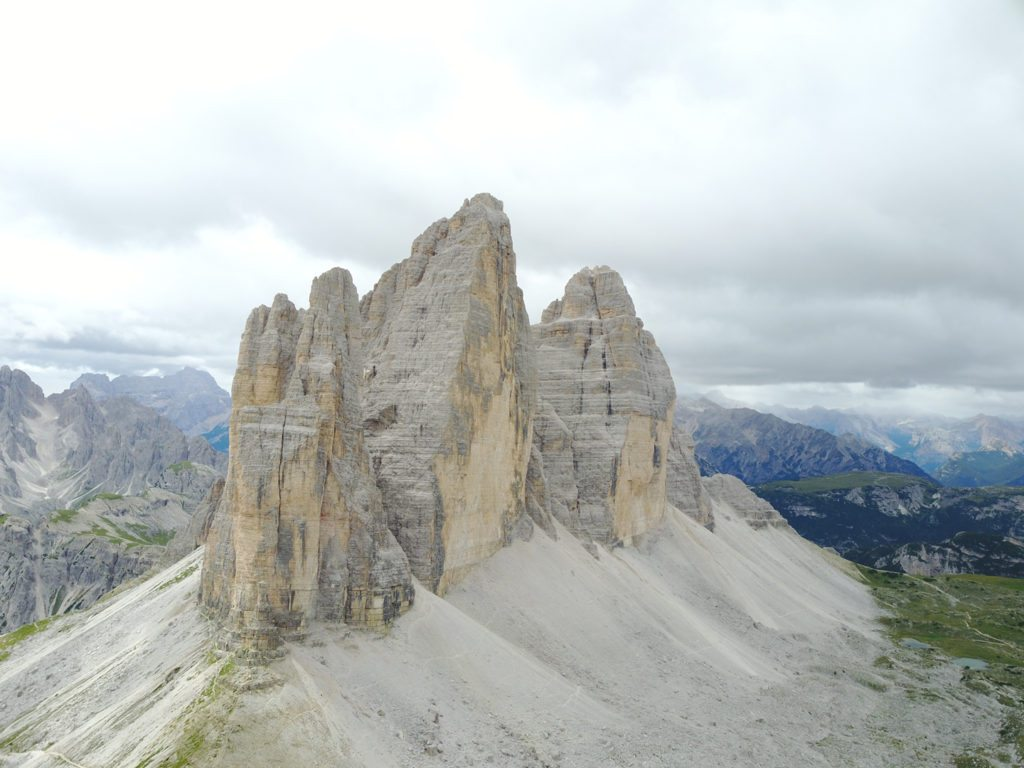 De imponerende Tre Cime di Lavaredo med den enorme Cima Grande i midten. Foto: Kenneth Jensen.