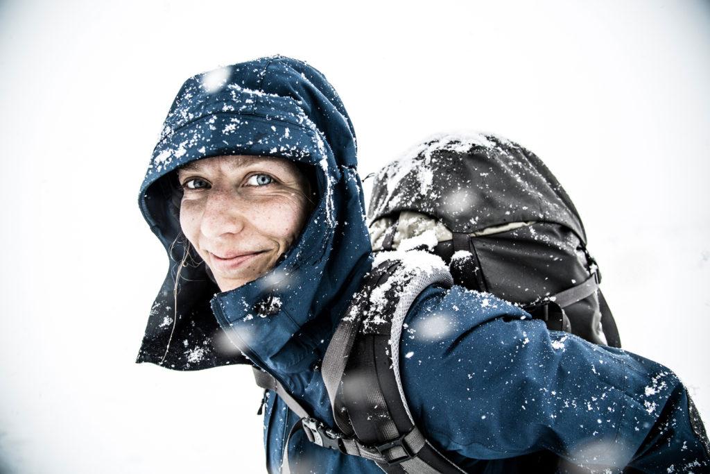 Arbejdslaget i Bergtagen-kollektionen er perfekt som yderste lag på tur i blandet vejr hele året - så længe det ikke regner. Foto: Fjällräven