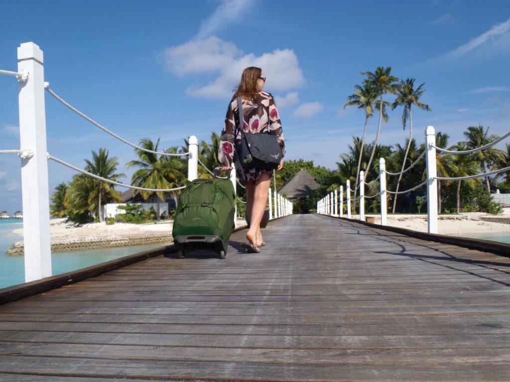 En rulletaske er et oplagt til valg til både ferie og længere rejser, hvor tasken primært skal bruges til at transportere bagagen rundt til og fra f.eks. lufthavn og hotel - nemt og bekvemt. På billedet ses Osprey Sojourn 80.